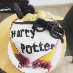Pastel Fondant Harry, compra tu pastel con envío a domicilio en Creapasteles.com